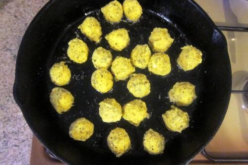 balls in pan